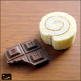 20090601|昭和の香り?板チョコとロールケーキのマグネット